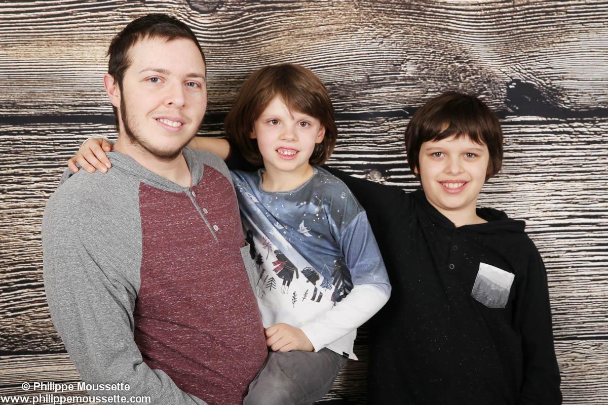 Papa et ses deux garçons